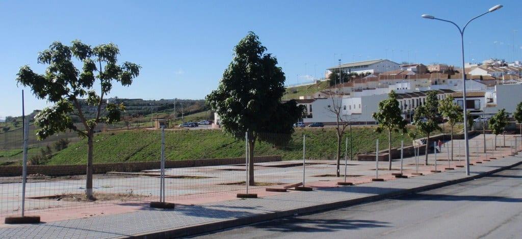 """Obra sin acabar. Frente al Barrio """"Los Mosquitos"""", mirando a la Vega."""