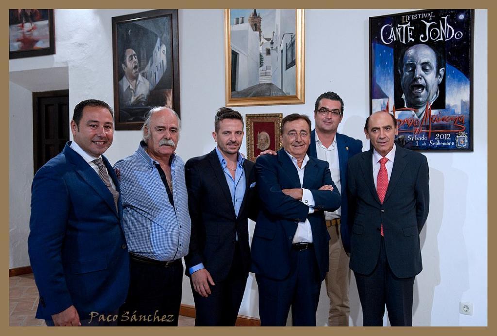 De izq. a dcha.: Ricardo Sánchez, Jesús Gavira, Pedro Cintas, Calixto Sánchez, Manuel Jiménez, Antonio Cruz.