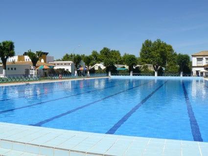 El peri dico de mairena el s bado 22 comenz la temporada de ba o en la piscina de verano en - Piscina arabial granada precios ...