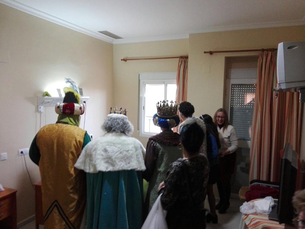 visita-reyes-residencia-elperiodicodemairena3