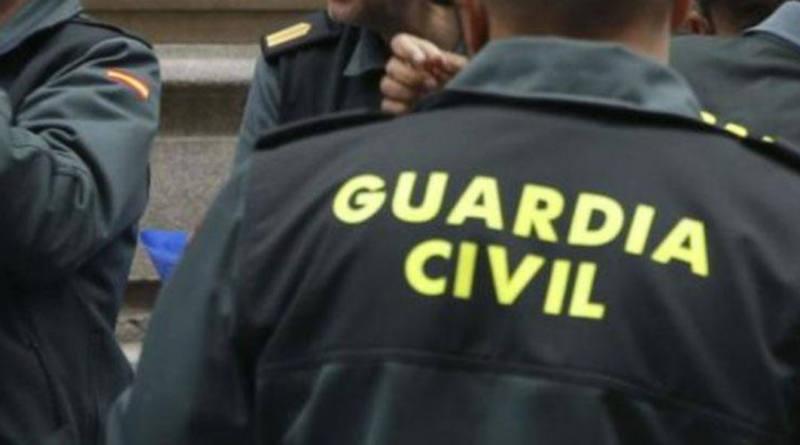 Guardia Civil y Policía Local desalojan una fiesta en una parcela con cerca de 100 personas