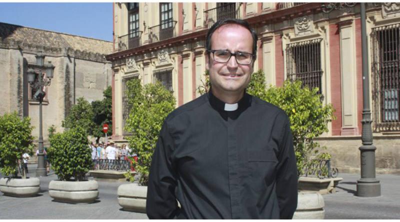 Cáritas Parroquial de Mairena y Antonio Rodríguez Babío integrantes del voluntariado de la Diocesana de Sevilla