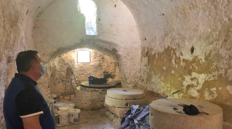 Avanza la restauración de uno los monumentos más destacados del Patrimonio arquitectónico natural de Alcalá de Guadaíra, el Molino del Algarrobo