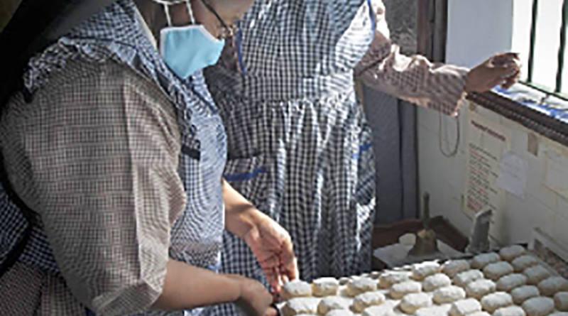 La Hermandad del Cristo de la Cárcel organiza la III Exposición y venta de dulces artesanos navideños
