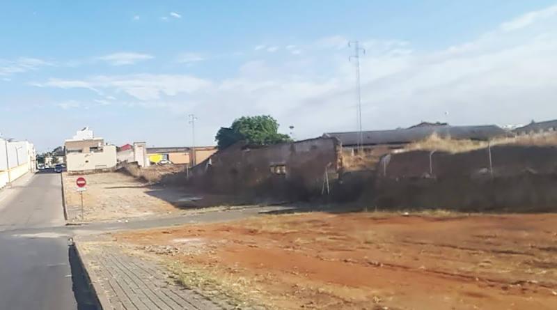 El Ayuntamiento inspeccionará solares, corrales y casas deshabitadas en mal estado para que procedan a su limpieza